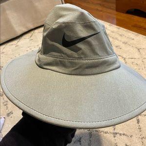 LIKE NEW // Nike Golf Dri-FIT Sun Protect Golf Hat